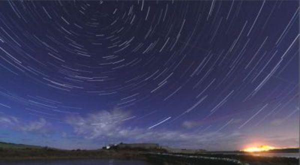 Tips Melihat Hujan Meteor Malam Ini