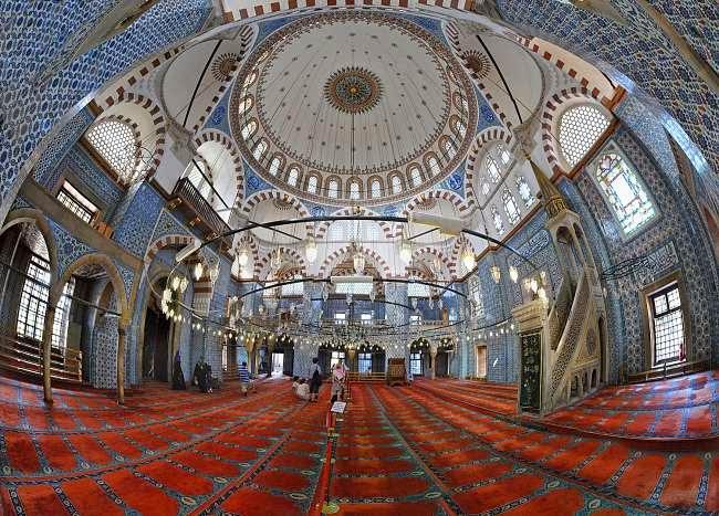 The Rüstem Pasha Mosque