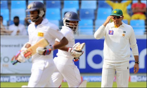 Sri Lanka move to 133-3 at tea in 3rd test