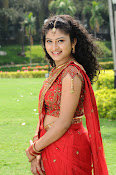 Vishnu priya photos from 21st century Love-thumbnail-9