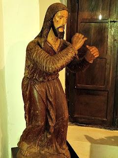 Cristo com a Cruz, no Museu Diocesano de San Ignacio Guazu, no Paraguai.