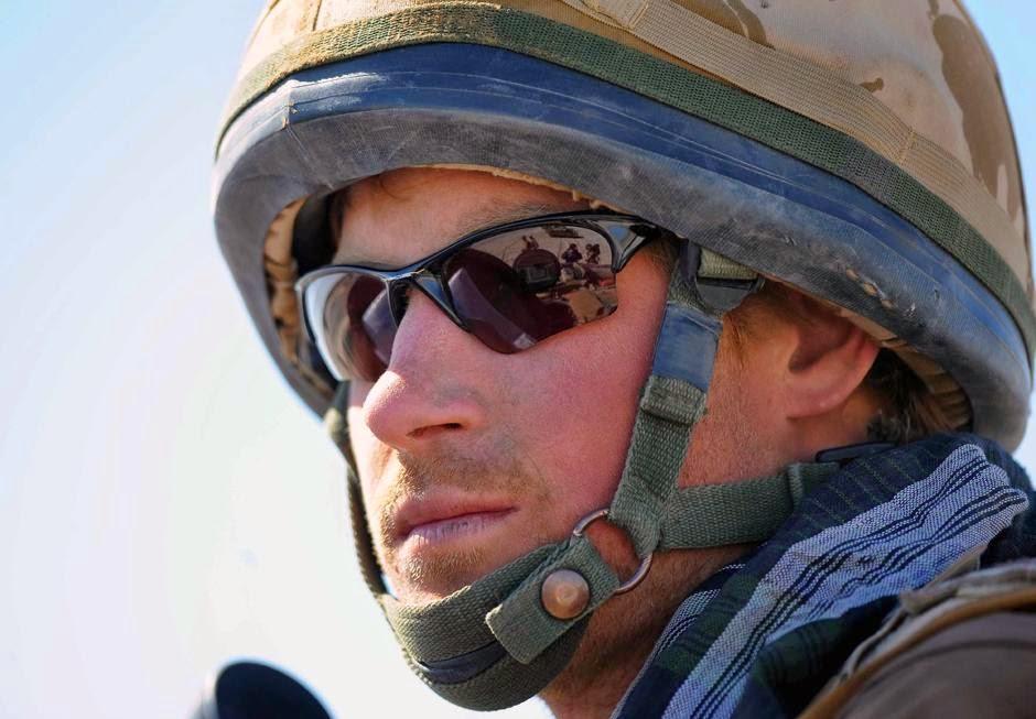 принц Гарри в бронетранспортере «Spartan» в провинции Гильменд, южный Афганистан