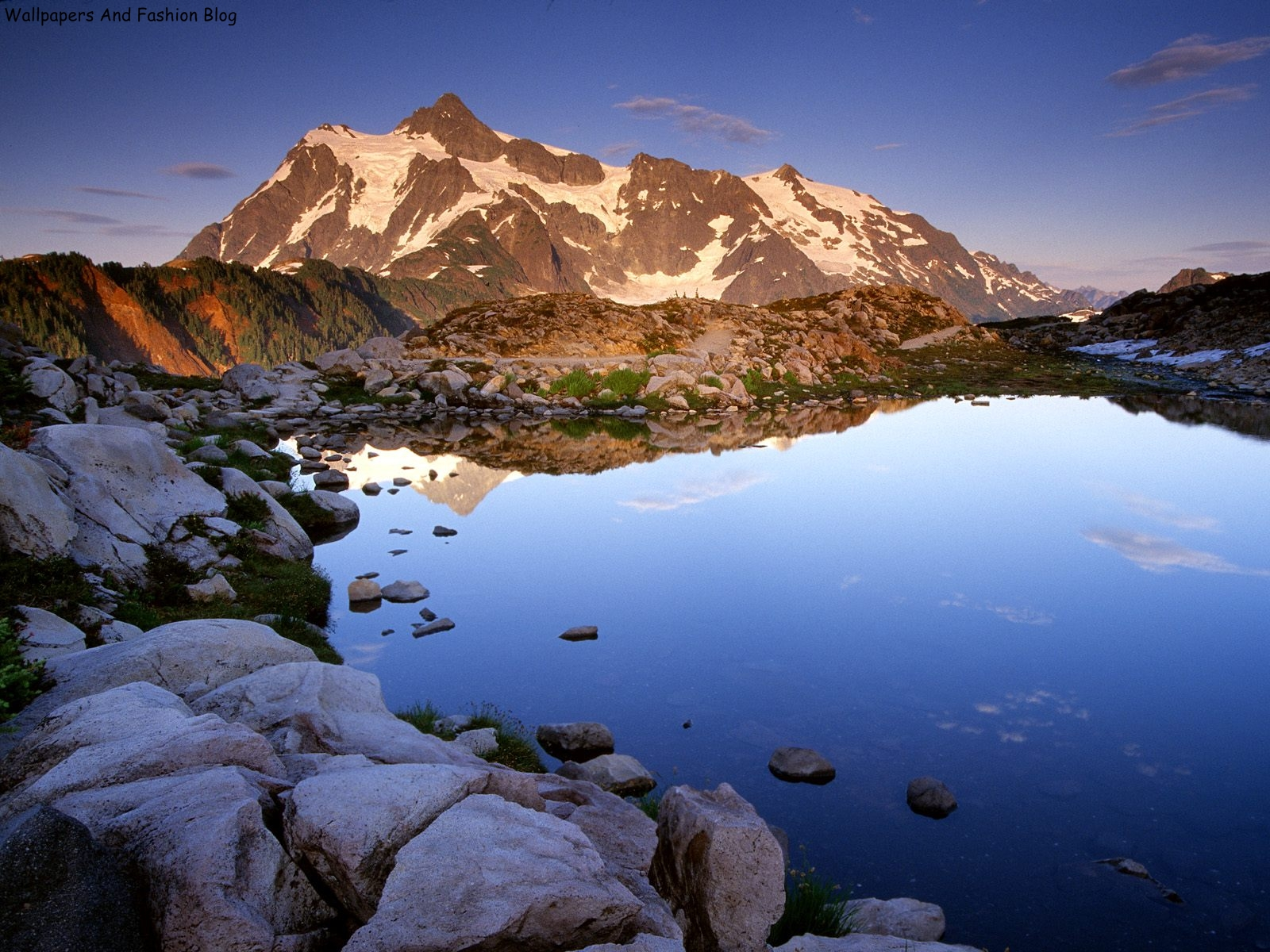 http://1.bp.blogspot.com/-6zv7LKseyBI/UCxXZYZJ_hI/AAAAAAAAEVU/RCse0Q_OVP4/s1600/Mount+Shuksan+at+Sunset,+Washington.jpg