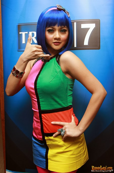 Jenita Janet, Indonesian Sexy Dangdut Singer Latest Photoshoot