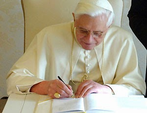 pope francis controversial remarks Pope francis draws criticism the 79-year-old argentinian pope seemed to acknowledge the controversy in a statement on monday, in welcoming remarks to a.