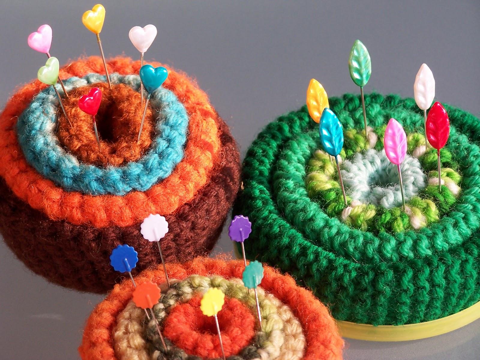 Knitting Pattern Pin Cushion : Reminisce...: vintage knitted pincushions