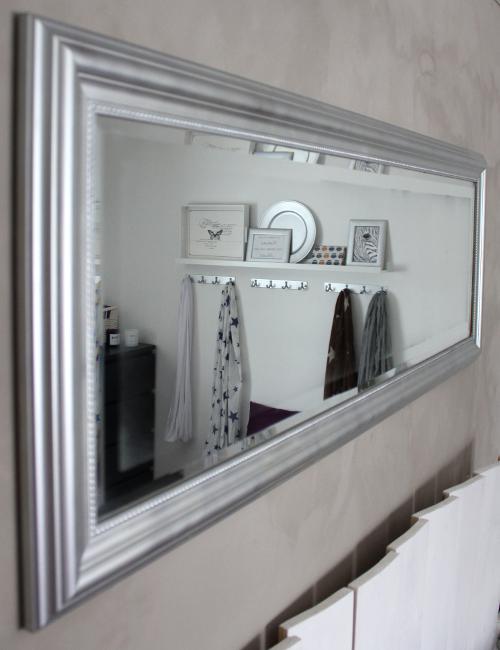 Speil soverom ? Speil med lyspaerer rundt