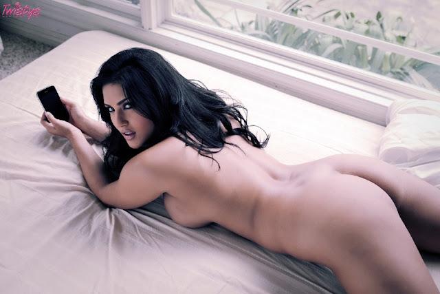 Sunny Leone – Nude Photoshoot