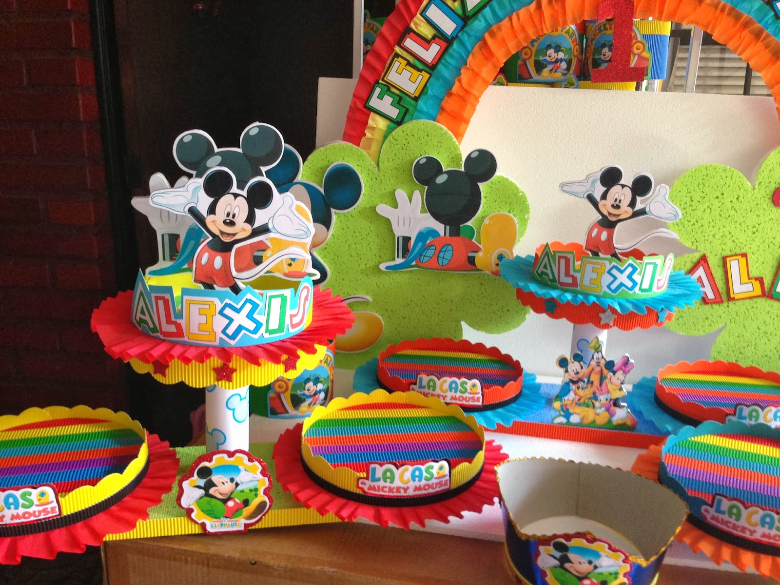 Decoracion infantil mickey mouse decoraci 243 n mickey - Decoracion fiesta infantil ...