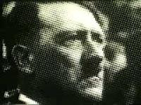 Anúncio da Folha de São Paulo com uso da imagem do Hitler em 1987.