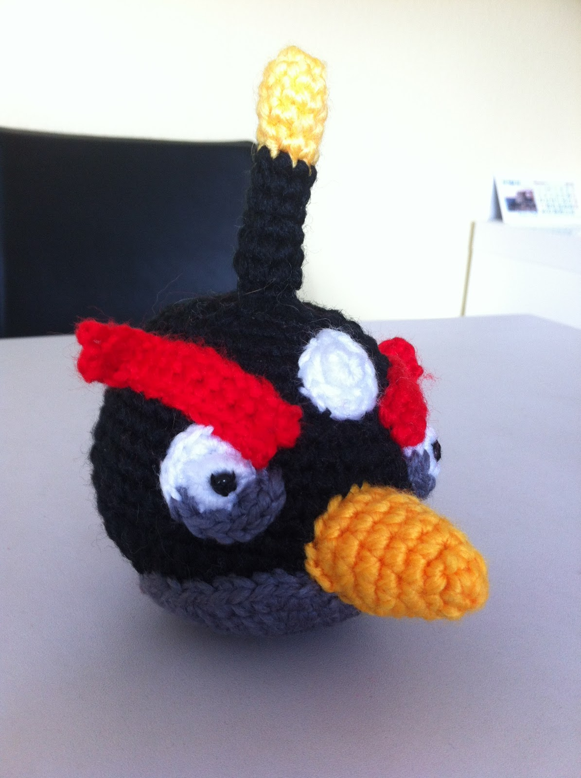Patron Angry Birds Amigurumi : Mi mundo y Punto: Pollo Angry Birds negro amigurumi