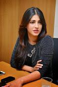 Shruti Haasan Glam pics-thumbnail-44