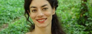 http://saopauloreview.com.br/atravessando-o-jardim-com-borges-de-susana-fuentes/