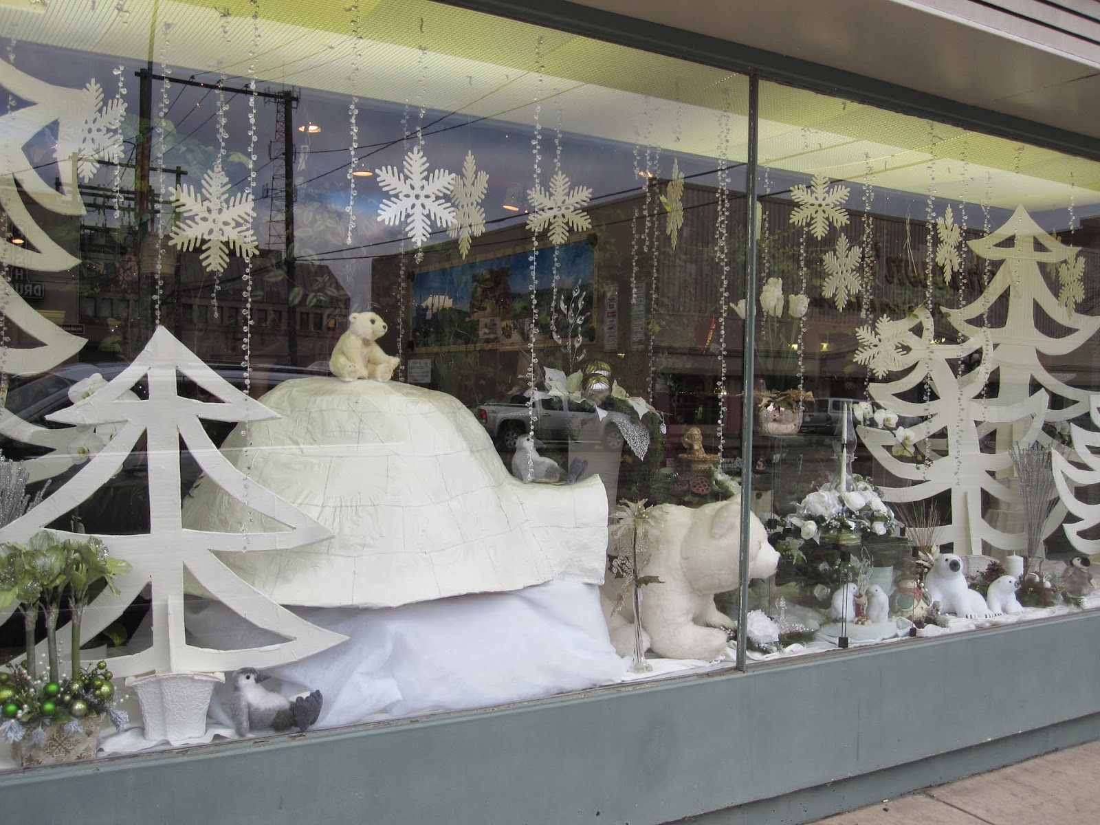 Flowers On The Roof: Store Front Winter Window Display (Making an ...