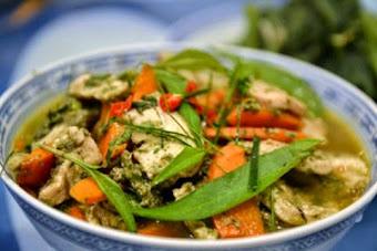 Thai jungle curry chicken