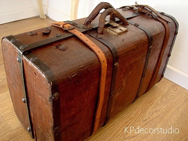 Maletas vintage online para decorar. baul antiguo de cuero