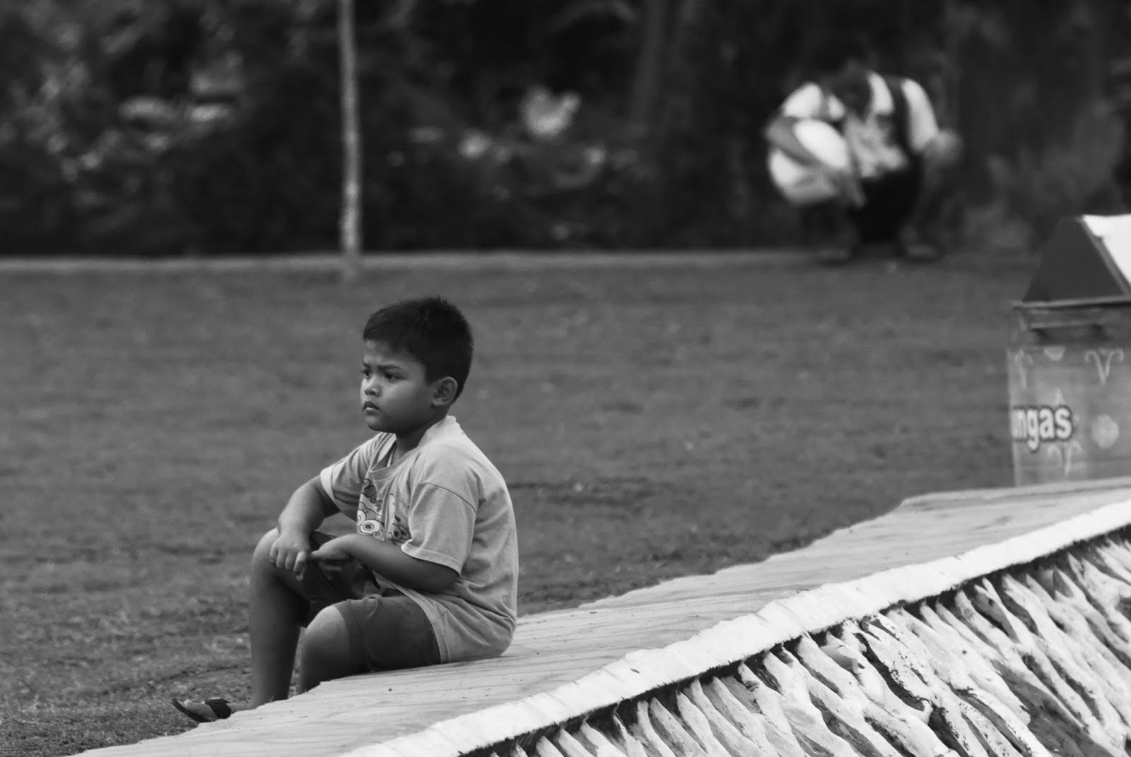 boy's alone, anak sendirian