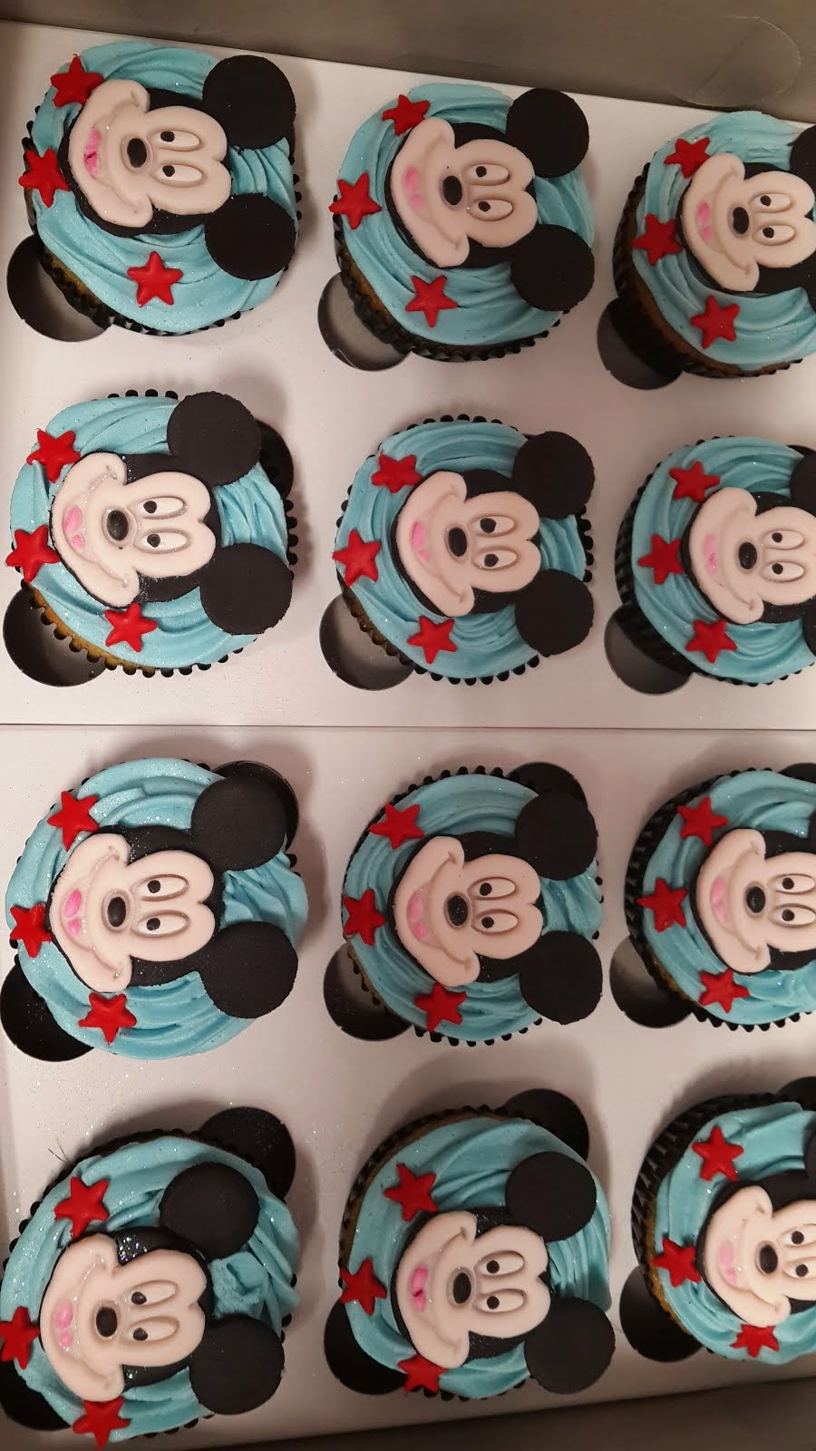 Mickey Mouse 2D Cupcakes