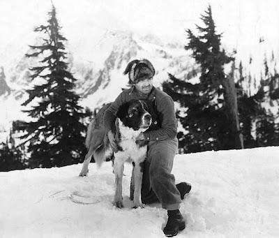 Clark Gable with Buck in Call of the Wild (1935)