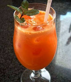 Suco de cenoura com laranja