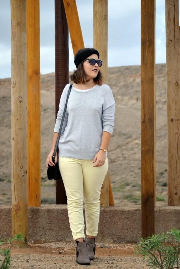 look_turbante_como_combinar_pantalon_amarillo_lolalolailo_01