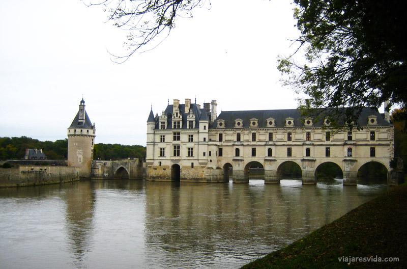 Castillo de Chenonceau desde el otro lado del río Cher (vista gratuita)