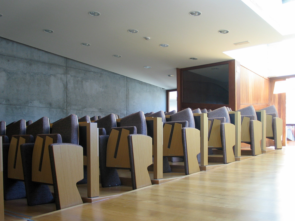 Nuevas arquitecturas oficinas para el rectorado campus vigo for Oficina turismo vigo
