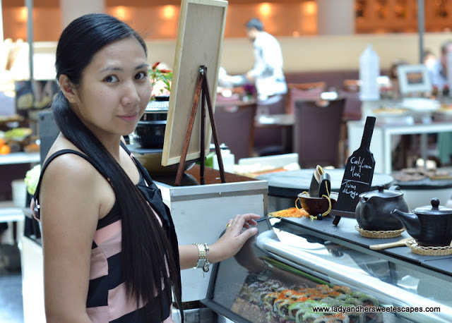 Lady at The Art of Brunch in Movenpick Dubai