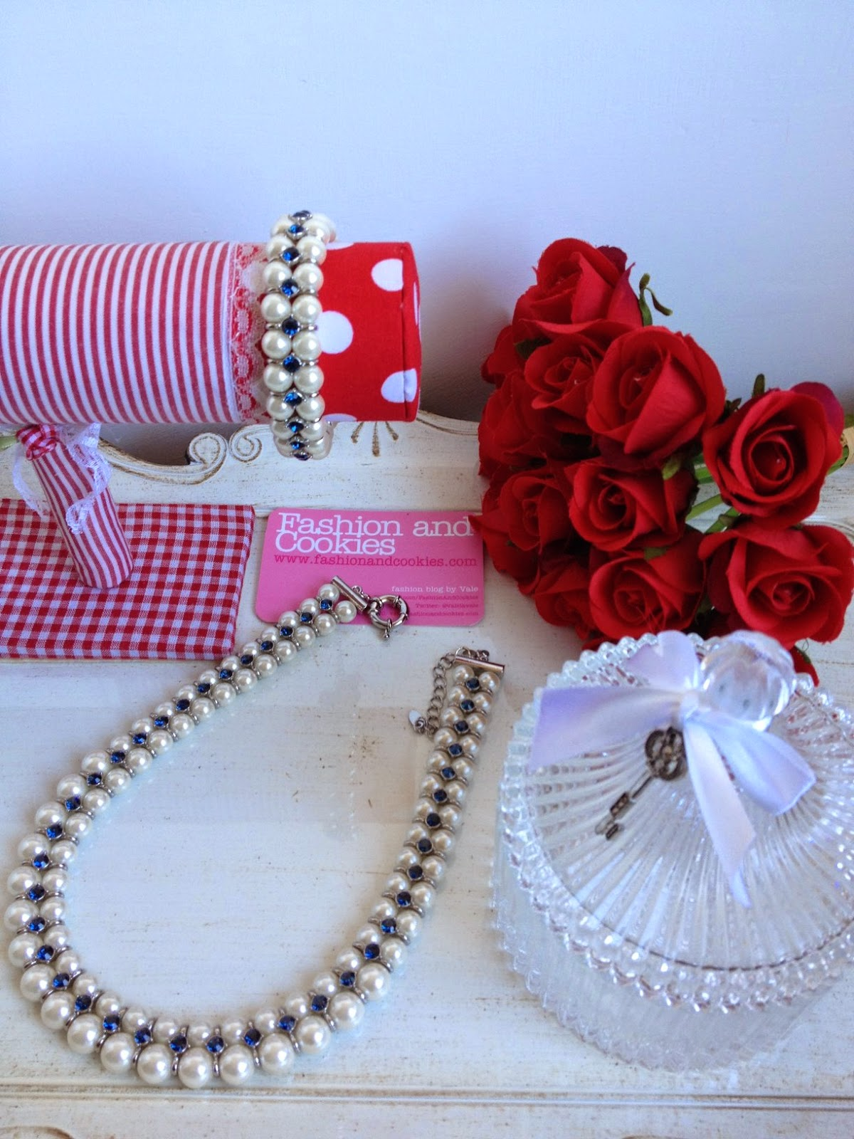 Luca Barra Pearl necklace and Luca Barra bracelet from Spring Summer collection on Fashion and Cookies fashion blog