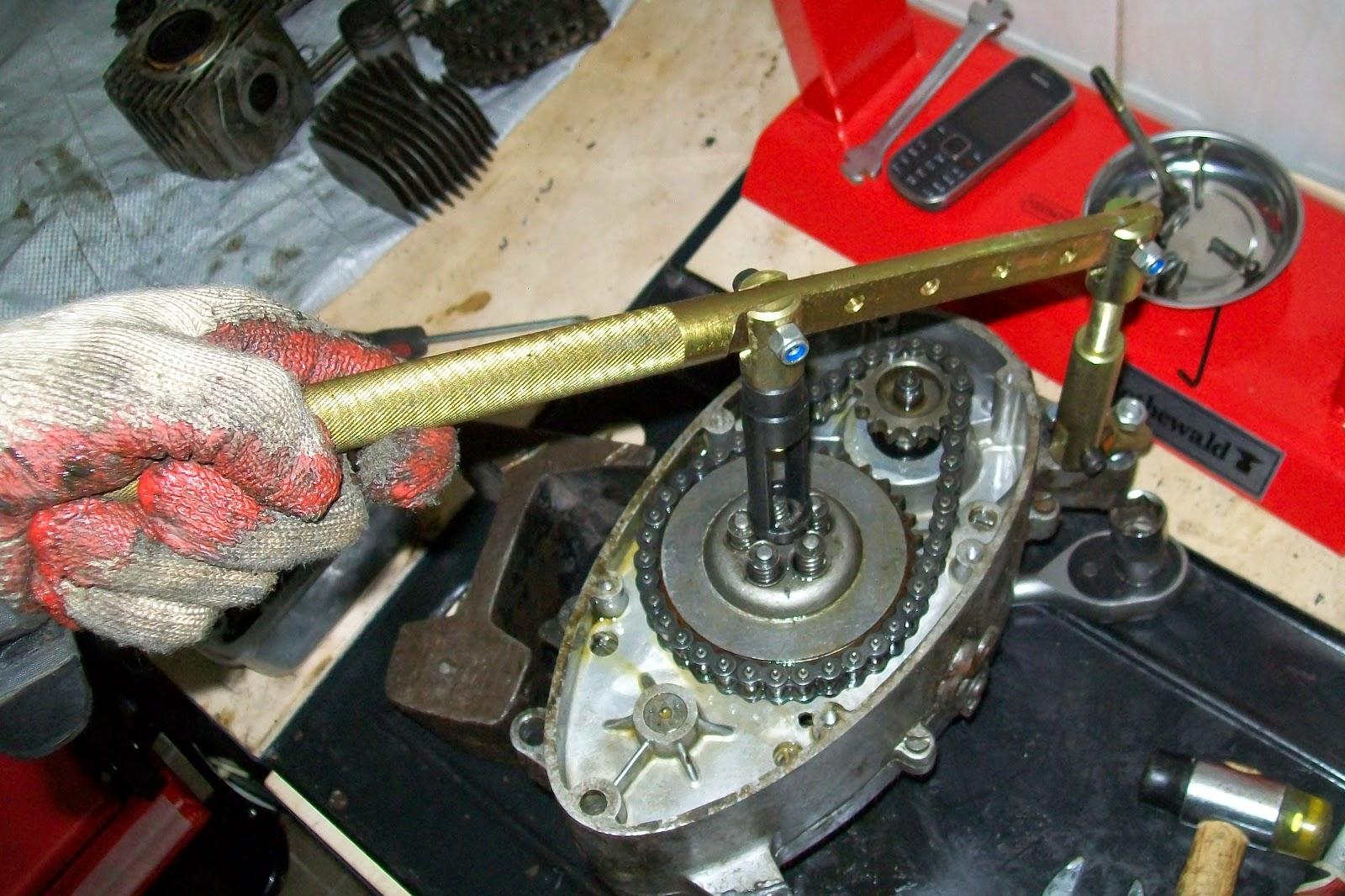Demontaż silnika jawy 50