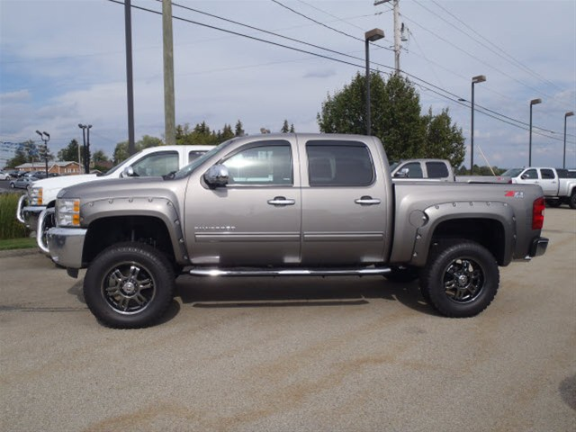 Camo Chevy Trucks for Sale http://onlyliftedtrucks.blogspot.com/2012/12/2013-chevy-silverado-rocky-ridge-lifted.html