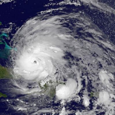 Erster Blick auf IRENE am Morgen des 24. August 2011, 2011, aktuell, Atlantik, August, Bahamas, Hurrikansaison 2011, Irene, Sturmwarnung, Hurrikanwarnung, USA, Touristen, Karibik, Haiti,