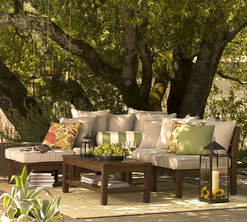 Lynn morris interiors 5 outdoor living ideas for the fall for Lanterne terrasse exterieure