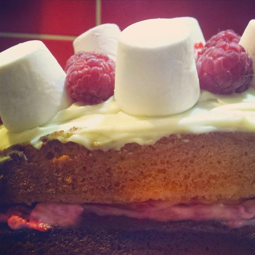 White chocolate and raspberry sponge cake