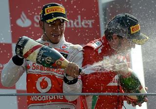 FÓRMULA 1-Remontada de Alonso que vale un podio y más ventaja en la general