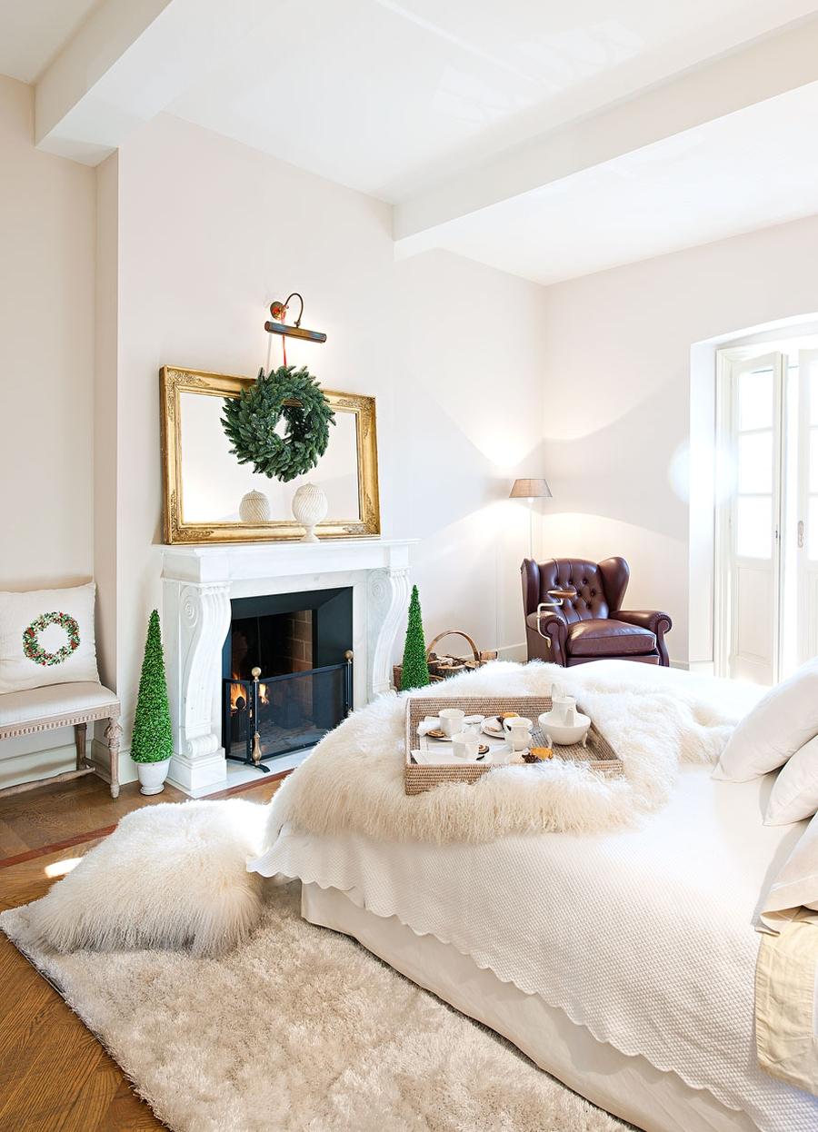 wystrój wnętrz, wnętrza, urządzanie mieszkania, dom, home decor, dekoracje, aranżacje, styl klasyczny, classic style, salon, living room, Święta, Boże Narodzenie, Christmas, ozdoby, kuchnia, kitchen, choinka, Christmas tree