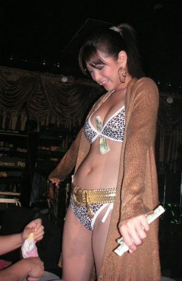 natalie barr boobs legs pics