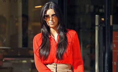 Kim-Kardashian's-mother-thrilled-with-Kanye-West-relationship