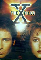 Poster from Season 1 of The X-Files featuring Mulder and Scully