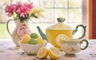 La limonada caliente es una mezcla de vitamina c, minerales y antioxidantes