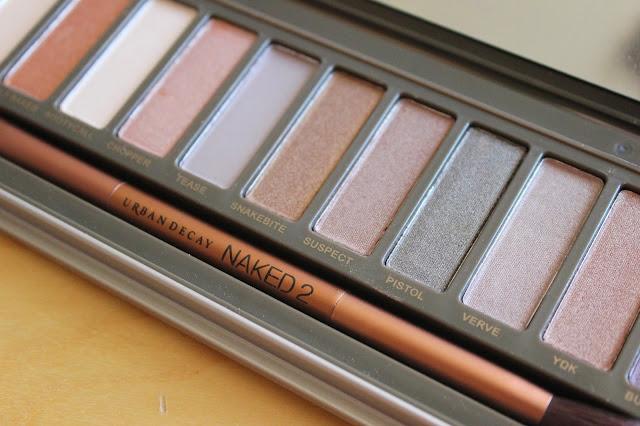 georgie-georgina-minter-brown-blogger-beauty-makeup-urban-decay-naked-2-palette-eyeshadows-review
