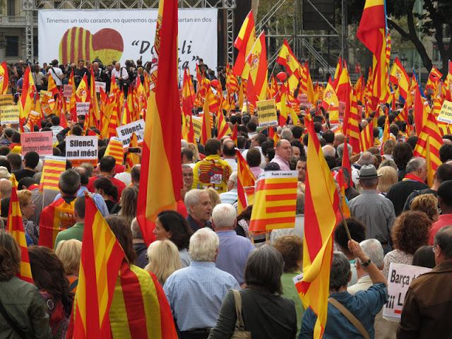Aspecto de la Plaza de Catalunya el 12 de octubre, en Barcelona