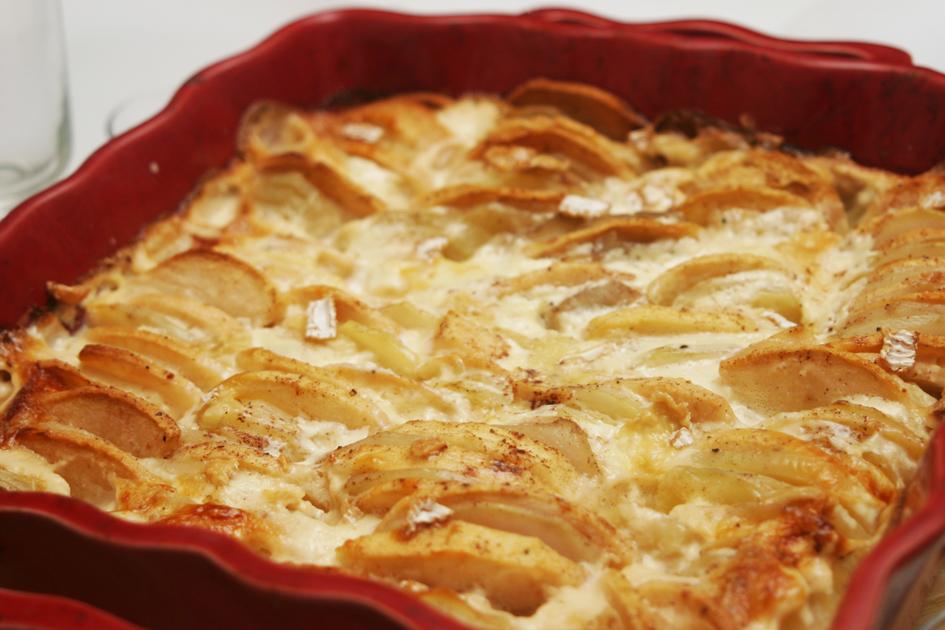 Dis maman on mange quoi menu 476 gratin aux deux pommes et camembert ou quand le dauphin - Gratin de pommes de terre au four ...