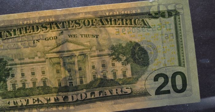 ORALE!!! Illegal Immigrant Finds $20 bill. Buys One Paragraph On El Rrun Rrun...