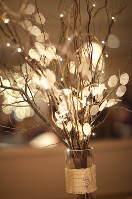 http://blog.snapknot.com/diy-wedding-reception-ideas/
