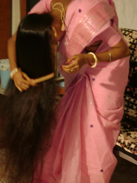 Homely Tamil girl wearing saree