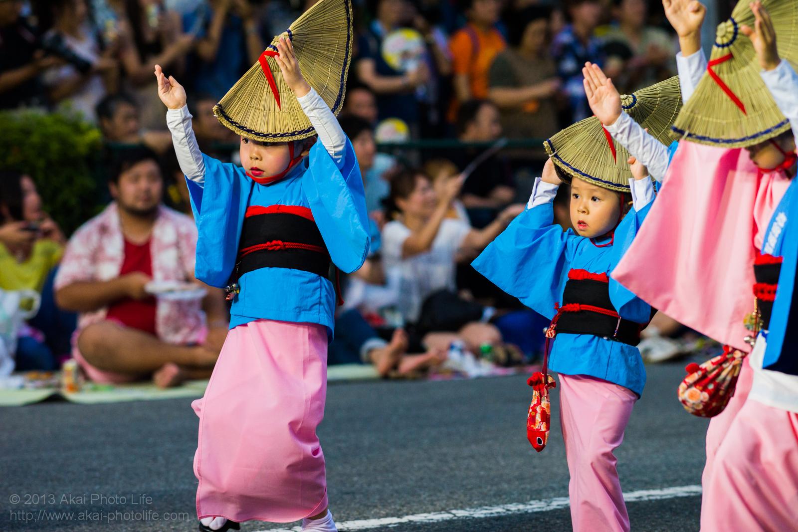 高円寺阿波踊り 志留波阿連の子供による女踊り