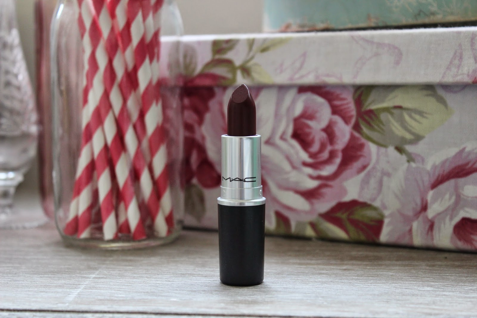 MAC Diva Lipstick Review L'amour Josie