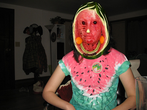 Creepy Image Game Creepy-watermelon-face-14338-1241756419-2