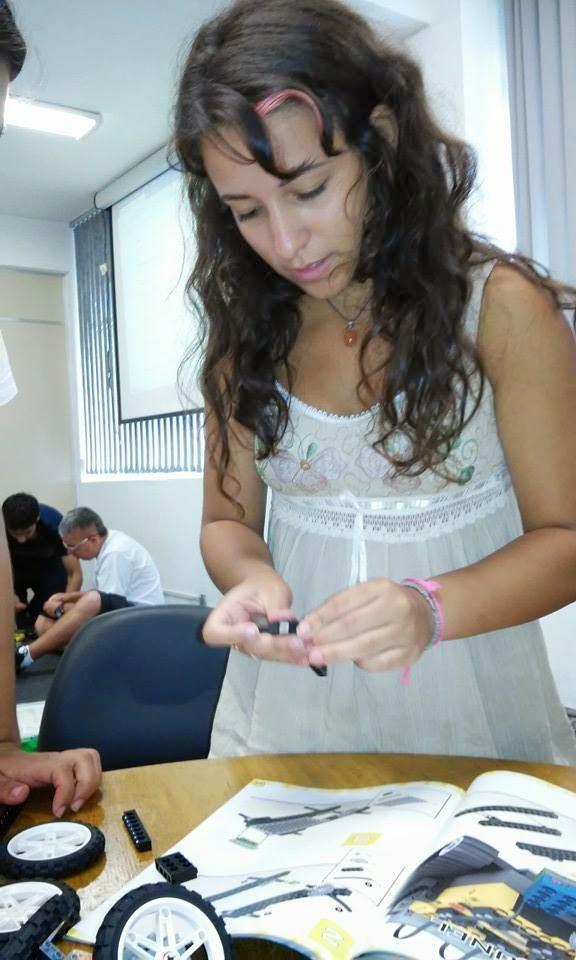 http://estagiarios2015.blogspot.com.br/2015/01/robotica-pedagogica-robotica-livre.html